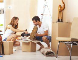 Versicherungen: Auch ohne Ehering können Paare sparen